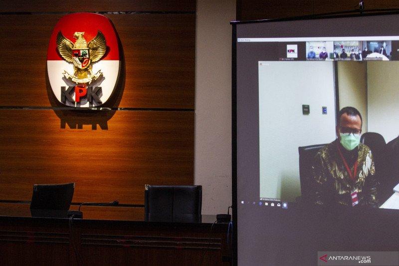 Mantan Menteri KKP Edhy Prabowo mengaku tidak bersalah usai didakwa terima Rp25,75 miliar