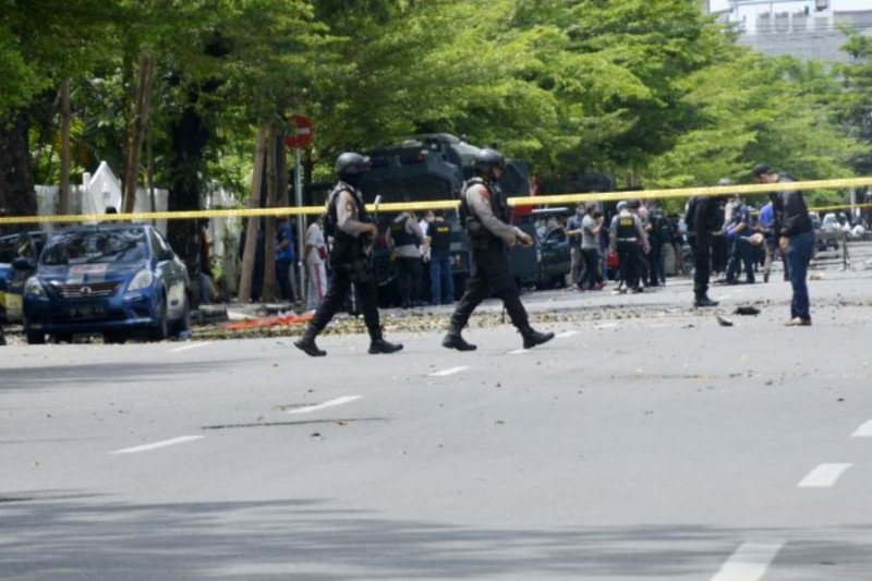 Melawan Densus, seorang terduga teroris ditembak mati di Makassar
