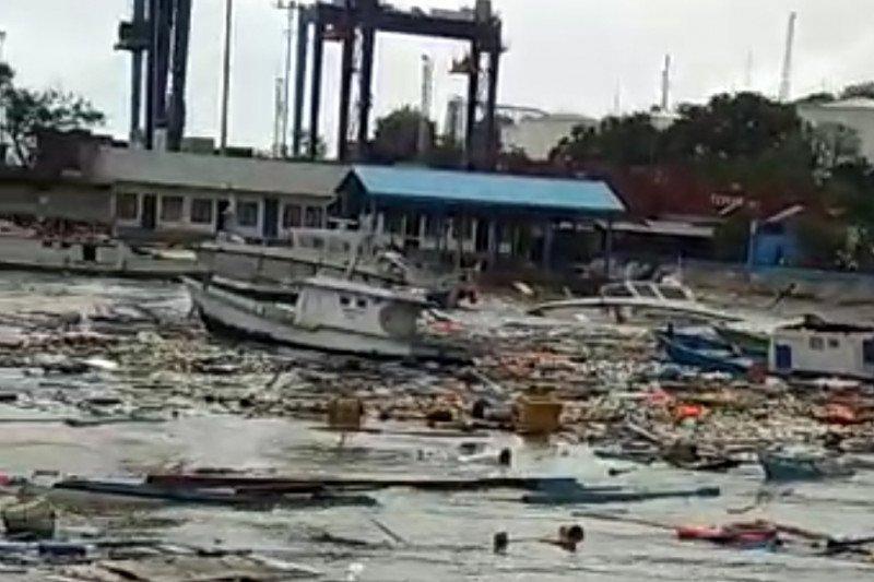 Nelayan Kupang minta pemerintah segera bersihkan bangkai kapal