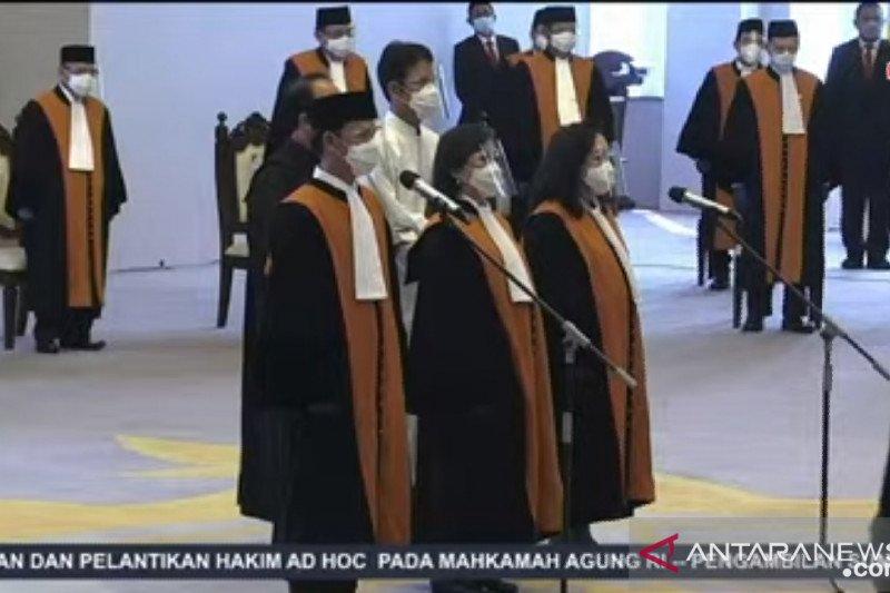 Ketua MA lantik tiga hakim ad hoc