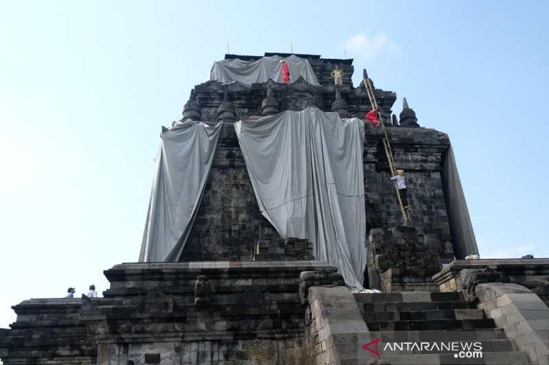 Balai Konservasi Borobudur lepas penutup Candi Mendut