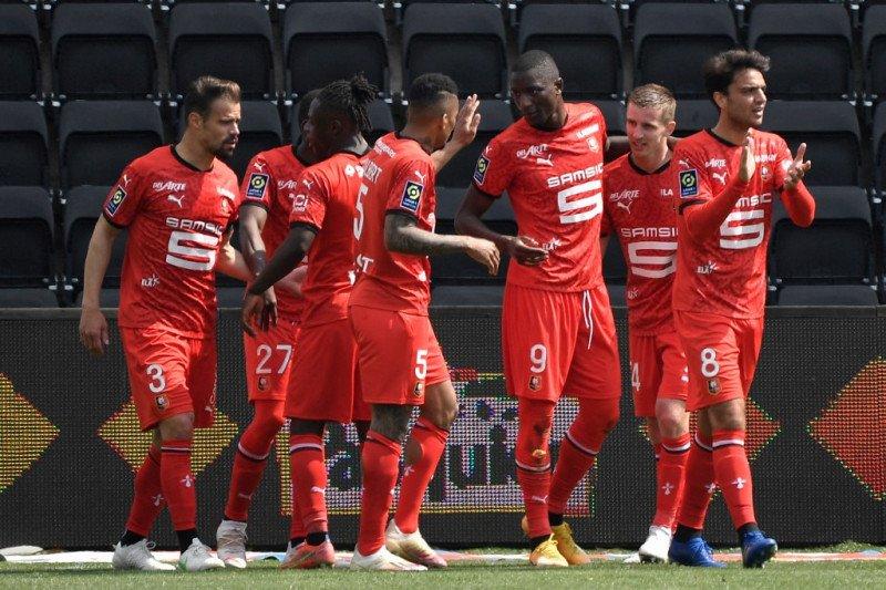 Rennes melumat Angers 3-0