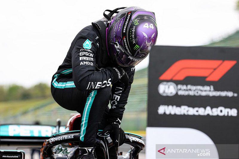 Hamilton telah bicarakan kontrak dengan Mercedes, dukung Bottas bertahan