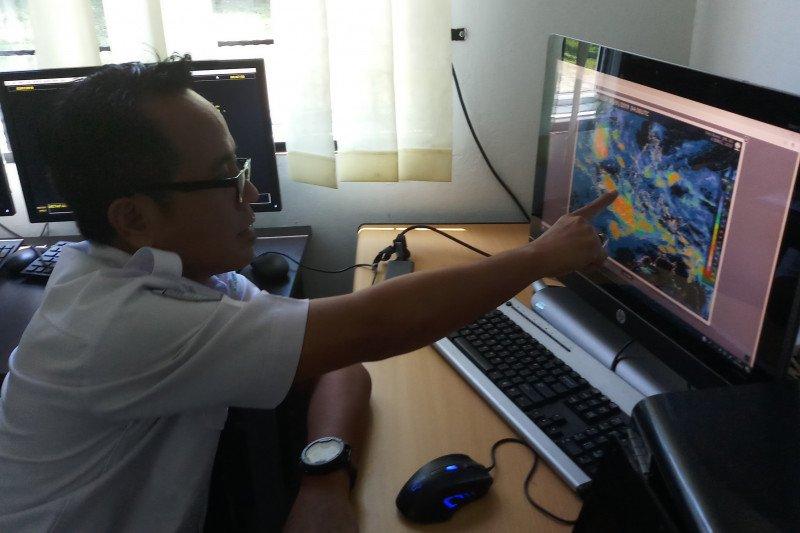 Cuaca Ekstrem Di Karimun Berpotensi Puting Beliung
