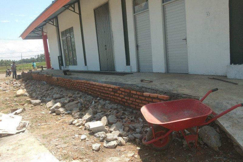 Pemkab Pesisir selatan denda kontraktor Pasar Lakitan karena cacat mutu