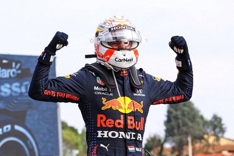 Max Verstappen juarai GP Emilia Romagna yang kaotis