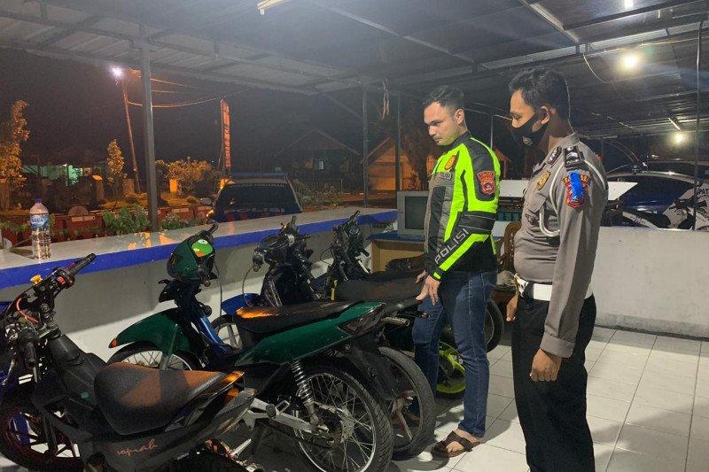 Polisi Pariaman amankan tujuh pengendara di bawah umur karena terjaring razia balapan liar