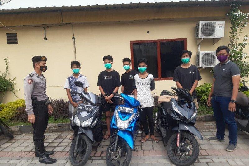 Pembalap liar dan 11 pelaku perang petasan diamankan polisi