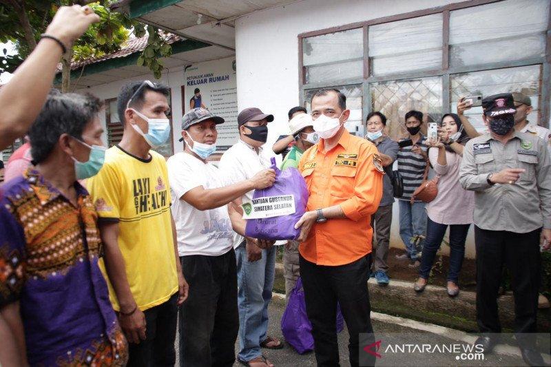 BPBD salurkan sembako untuk ratusan korban puting beliung di OKU