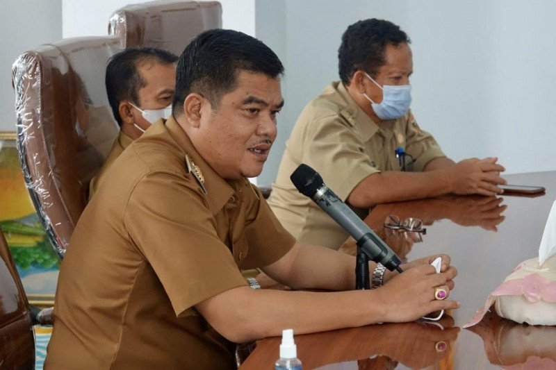 Direktur RSUD Demang Sepulau Raya Lampung Tengah diserahterimakan