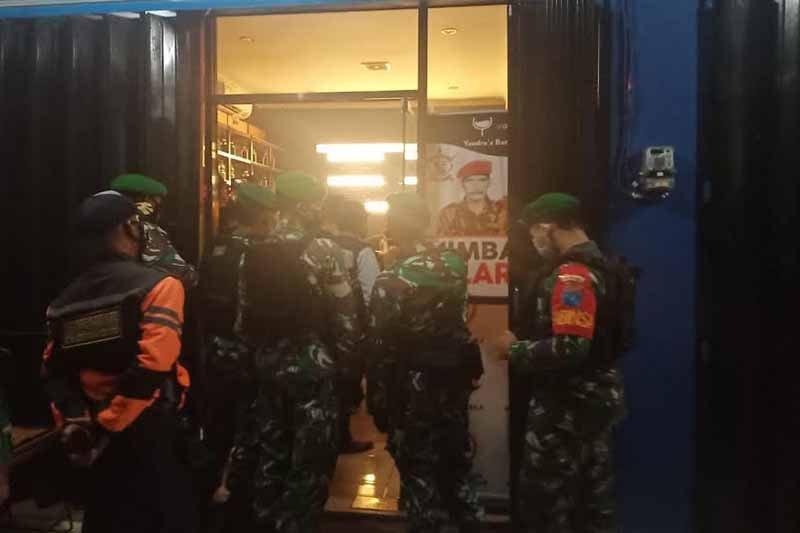 Satgas COVID-19 temukan pengusaha cafe langgar jam operasional