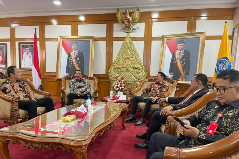 Bupati Minut bersama pejabat dari sejumlah daerah di Indonesia