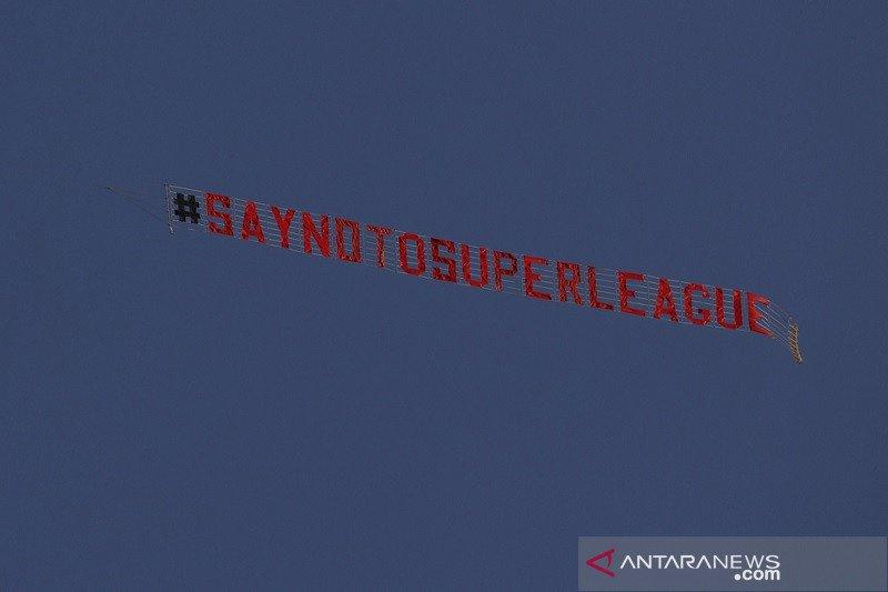 Protes anti Liga Super Eropa mewarnai laga Leeds vs Liverpool
