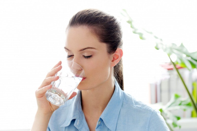 Ahli gizi sarankan tetap minum delapan gelas sehari selama puasa