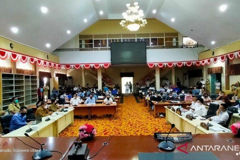 DPRD Manado pertanyakan pergantian dirut PD pasar dan honor THL