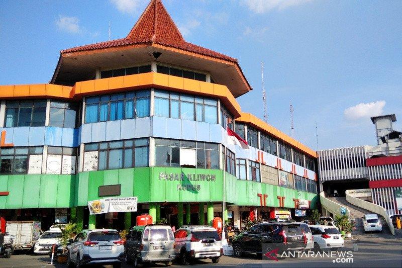 2.417 pedagang Pasar Kliwon Kudus menunggak  sewa kios