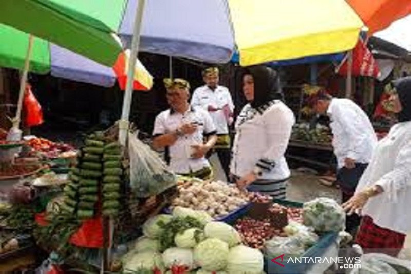 Disperin Baubau sebut kenaikan harga sembako awal Ramadhan masih wajar