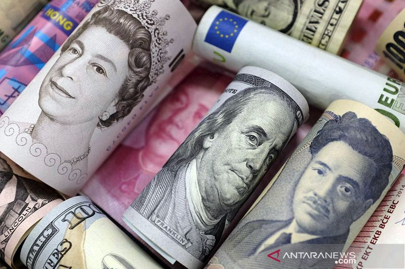 Dolar Amerika jatuh saat sentimen risiko meningkat