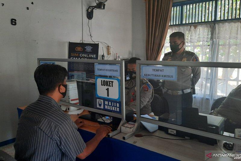 Kurangi kerumunan di pandemi COVID-19, Polisi Padang Pariaman luncurkan perpanjangan SIM dari rumah dengan ini