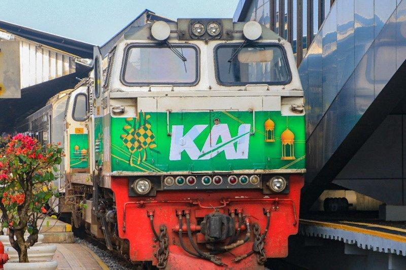 Penumpang kereta api Daop 6 stabil pada pekan pertama puasa