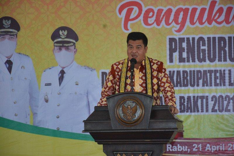 Kukuhkan Dekranasda, Musa ingin sektor kerajinan Lampung Tengah semakin berkembang