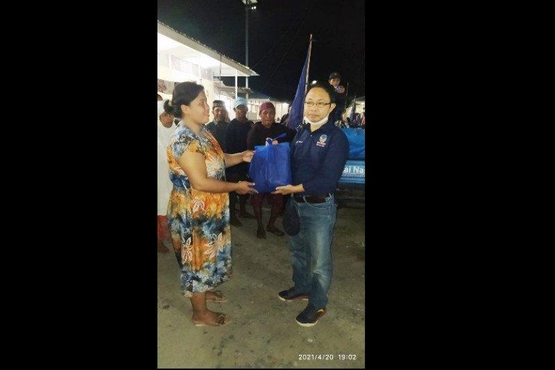 NasDem salurkan ribuan paket pangan  untuk penyintas gempa di Palu