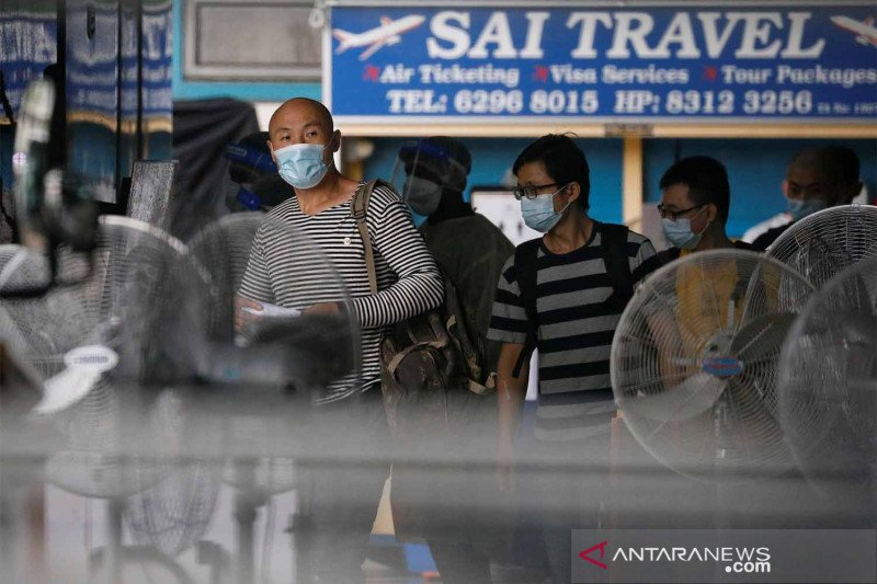 Selidiki infeksi COVID-19, Singapura karantina 1.100 pekerja migran -  ANTARA News