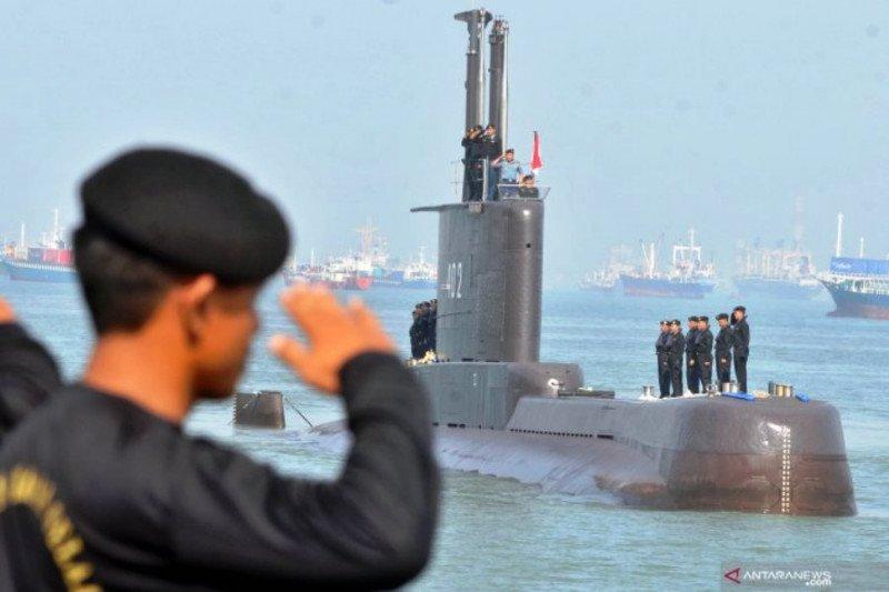 Kapal selam KRI Nanggala-402 masih dalam pencarian