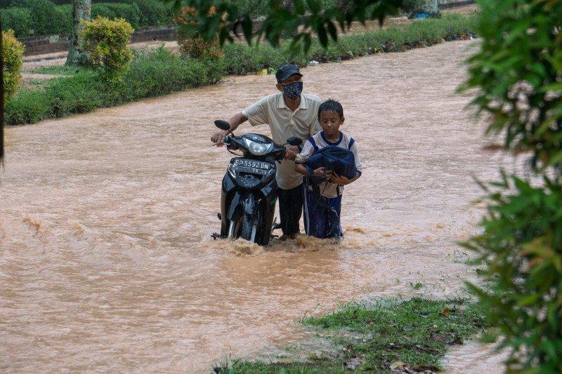 Banjir di jalan Sekupang Batam