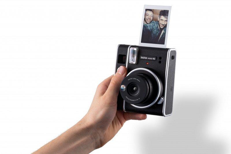 Berdesain klasik, kamera instax Mini 40 resmi meluncur