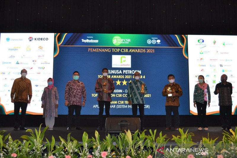 PT Elnusa Petrofin beserta Dirutnya raih tiga penghargaan Top CSR Awards 2021