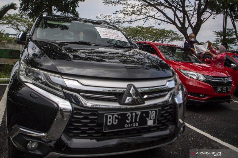 Dua Mobil Milik Tersangka Masjid Raya Srwiwijaya Eddy Hermanto Disita Kejati Sumsel
