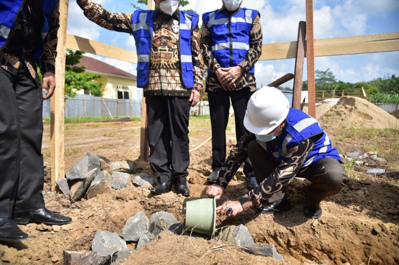 Bupati Mesuji hadiri peletakan batu pertama pembangunan perpustakaan umum daerah
