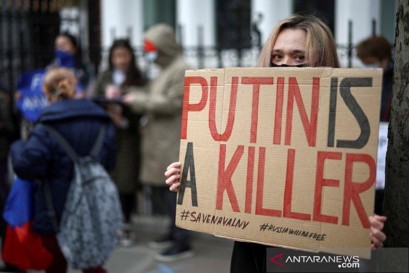 """Putin puas setelah Biden menjelaskan alasan menyebutnya """"seorang pembunuh"""""""
