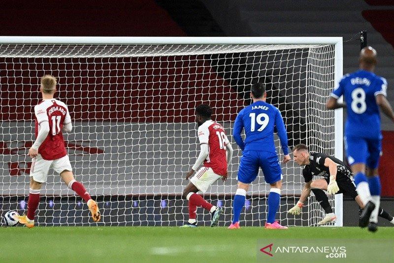 Blunder Bernd Leno pastikan Everton menang 1-0 di markas Arsenal