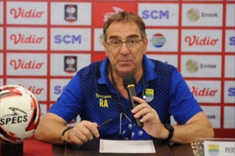 Pelatih Persib Bandung: Jangan pernah putus asa
