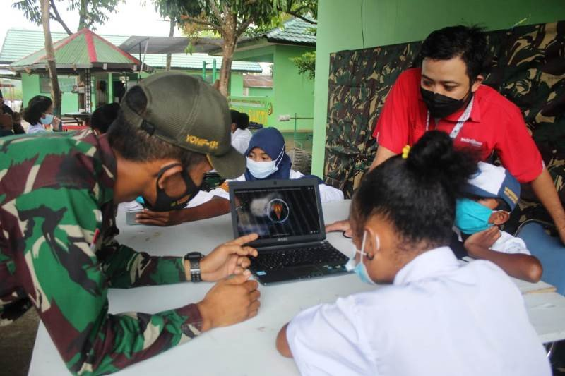 Satgas TNI-Telkom sediakan internet gratis untuk siswa perbatasan RI-PNG