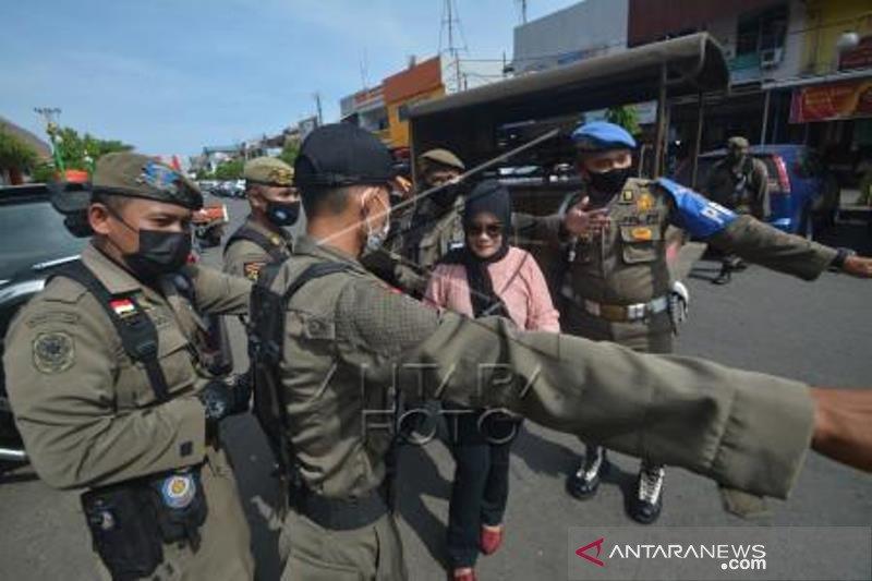 Razia Masker Di Padang