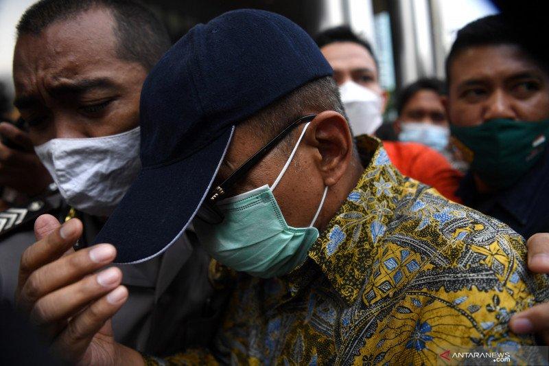 Mantan pejabat Ditjen Pajak Angin Prayitno sebagai tersangka
