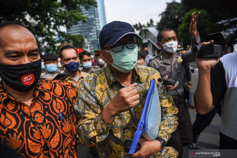 KPK duga eks pejabat pajak Angin Prayitno diduga terima puluhan miliar rupiah
