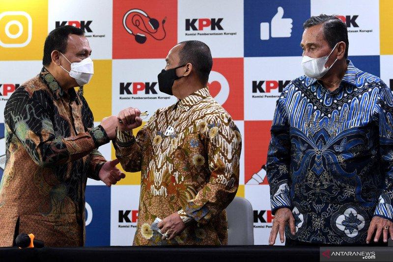 Indriyanto Seno Adji sebut Dewas diperlukan perbaiki KPK