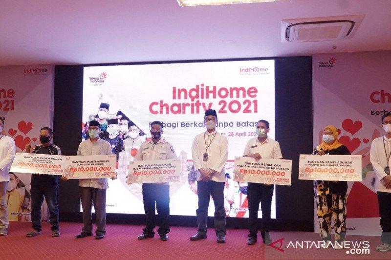 Telkom Regional VII salurkan bantuan senilai Rp60 juta lewat Program Charity