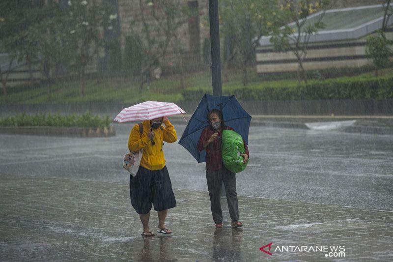 Lampung berpotensi alami hujan lebat disertai angin kencang