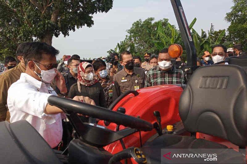 Mentan mengaku ditelpon Presiden Jokowi terus terkait realisasi bantuan alsintan