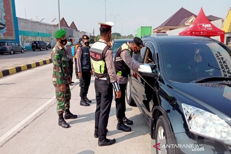 Polres Pekalongan Kota perketat penyekatan kendaraan pemudik