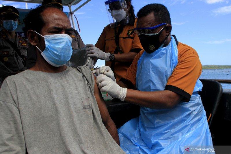 Polda NTT luncurkan kapal vaksinasi terapung bagi masyarakat kawasan pesisir