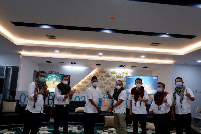 BNI Kantor Cabang Tanjungkarang bagikan 650 paket sembako selama Ramadhan