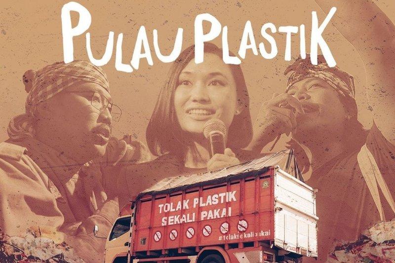 """Pulau Plastik"", alarm darurat sampah plastik"