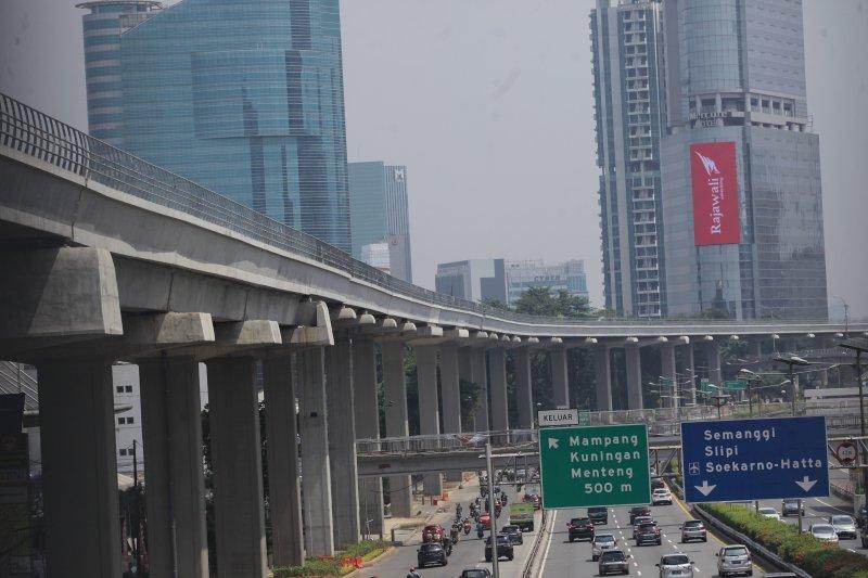 Presiden Jokowi sebut LRT Jabodebek beroperasi pada Juni 2022