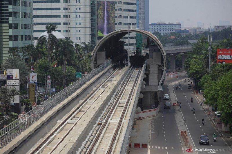 Menteri Luhut minta proyek LRT Jabodebek dikebut kejar target konstruksi 2021